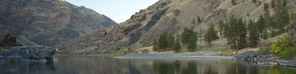 Snake River view in Hells Canyon
