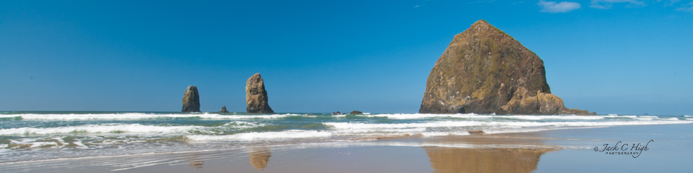 Another clear and beautiful day on the beach with overlooking scenic Haystack Rock.