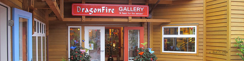 Dragonfly Art Gallery, downtown Cannon Beach.