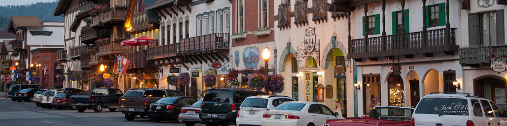 Shops and reataurants in downtown Leavenworth